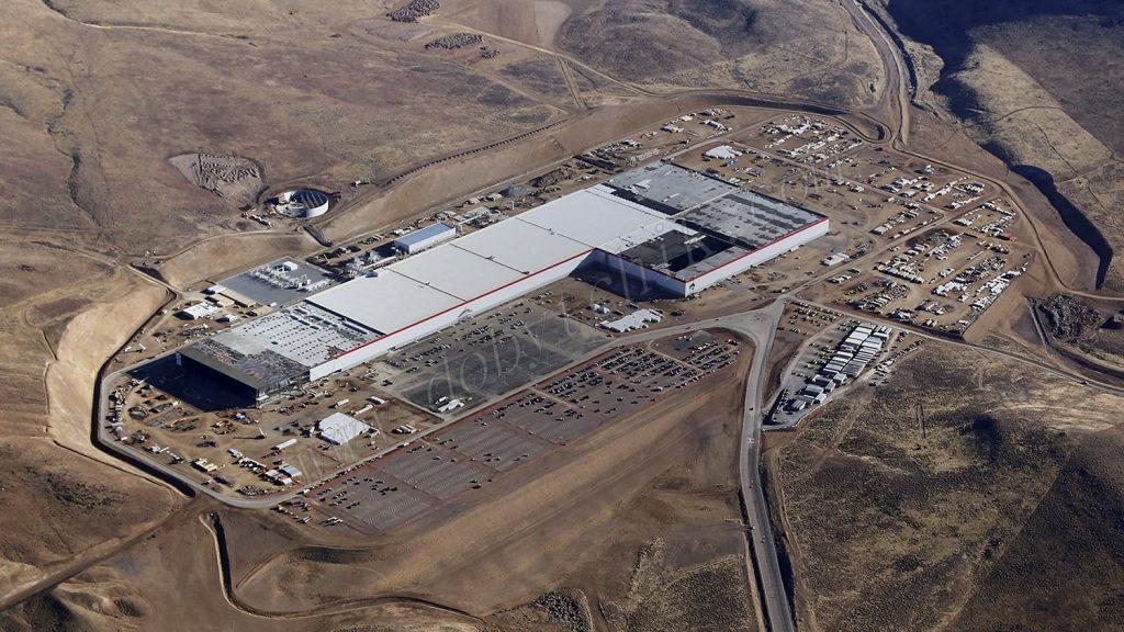 Навая фабрика по производству литий-ионных аккумуляторов Tesla формата 21700