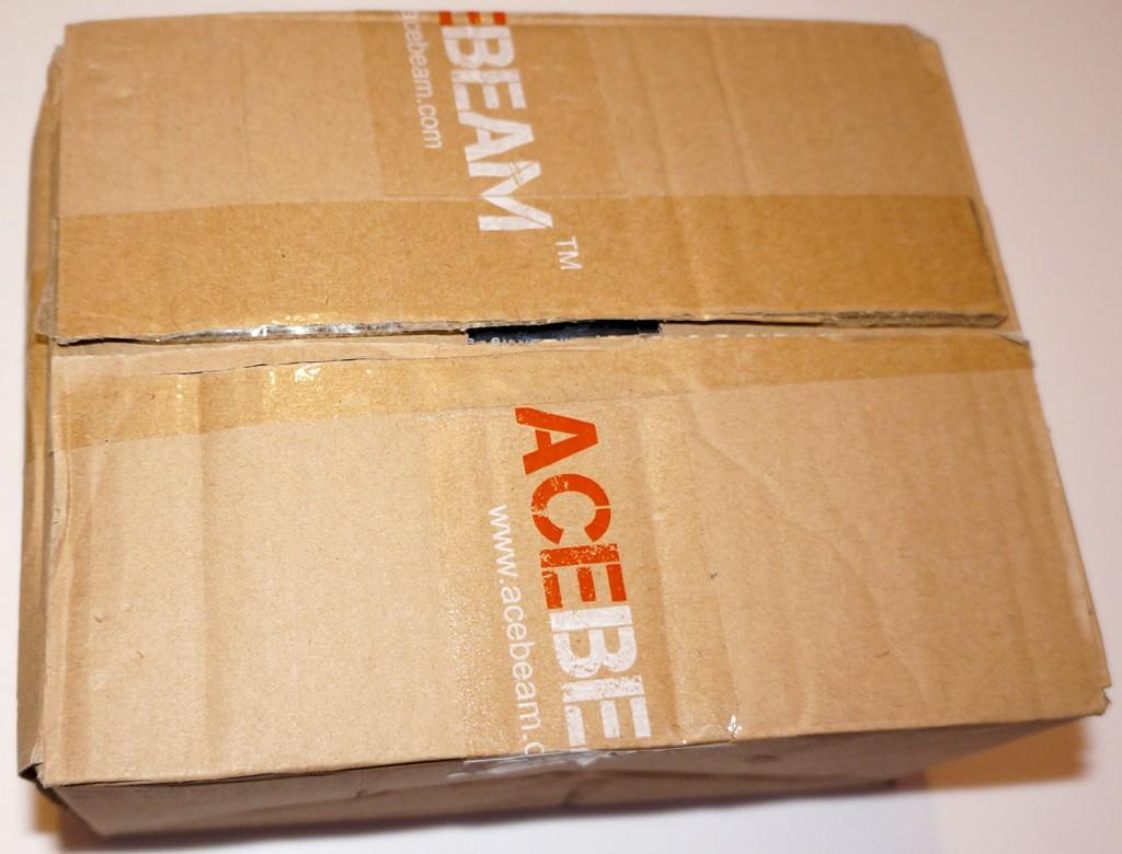 Картонная верхняя упаковка фонаря для дайвинга Acebeam D400