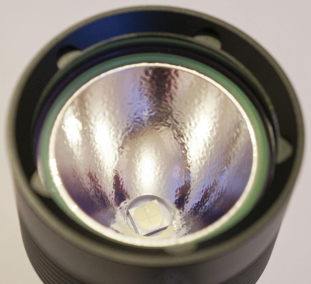 Текстурированный отражатель фонаря для дайвинга Acebeam D400