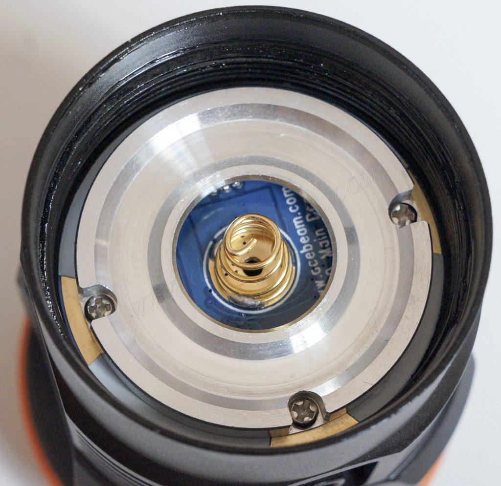 Контакт с пружиной подводного фонаря Acebeam D45