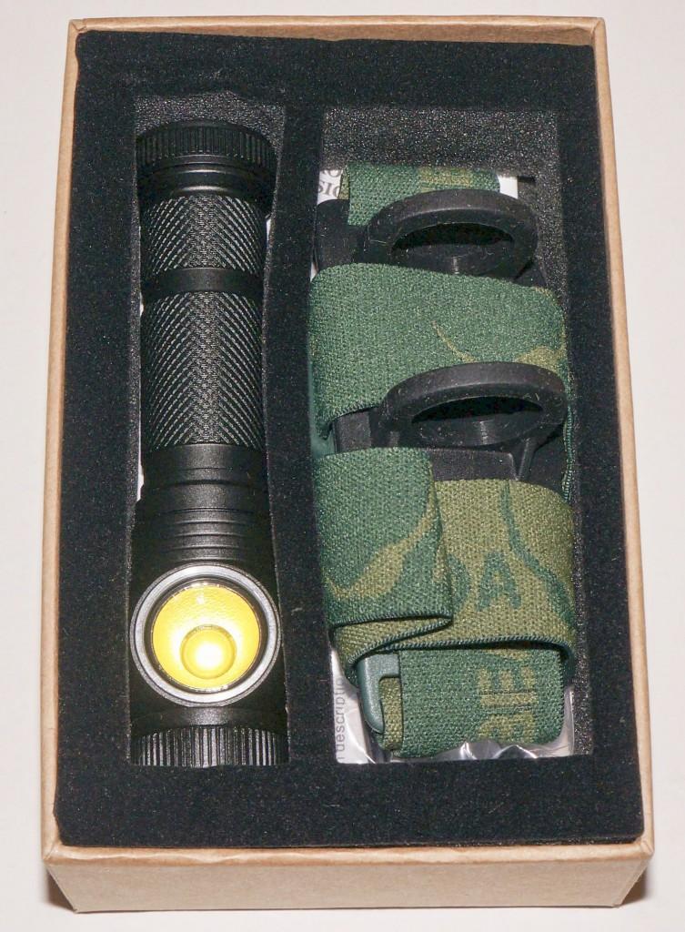 Налобный фонарь Acebeam H10 в коробке с аксессуарами