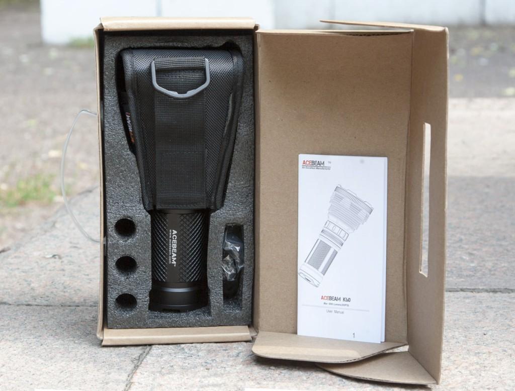 Внутреннее содержимое коробки для переноски поискового фонаря Acebeam K60
