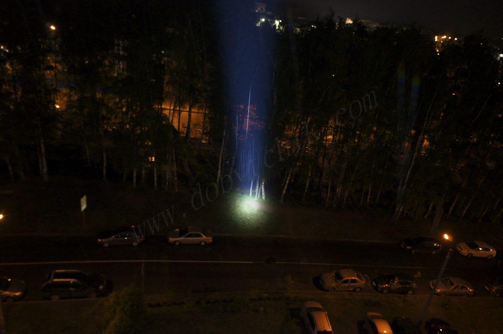 Тест света дальнобойного поисковика Acebeam K70 на ближней дистанции