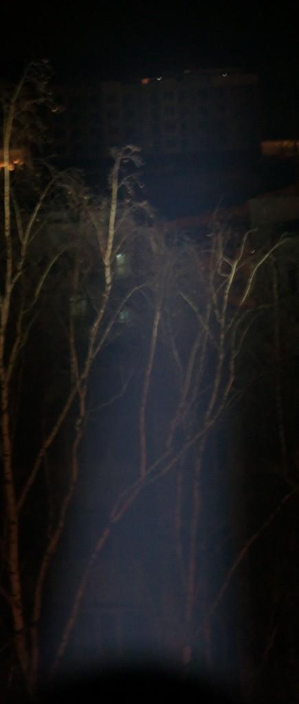 Освещение цели на дистанции 900 метров фонарем Acebeam T20