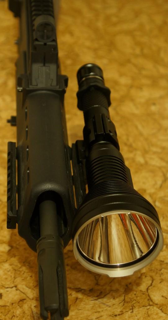 Использование Acebeam T20 в качестве подствольного фонаря