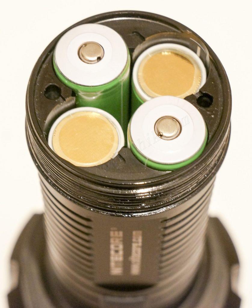 Аккумуляторы в фонаре Nitecore TM16GT