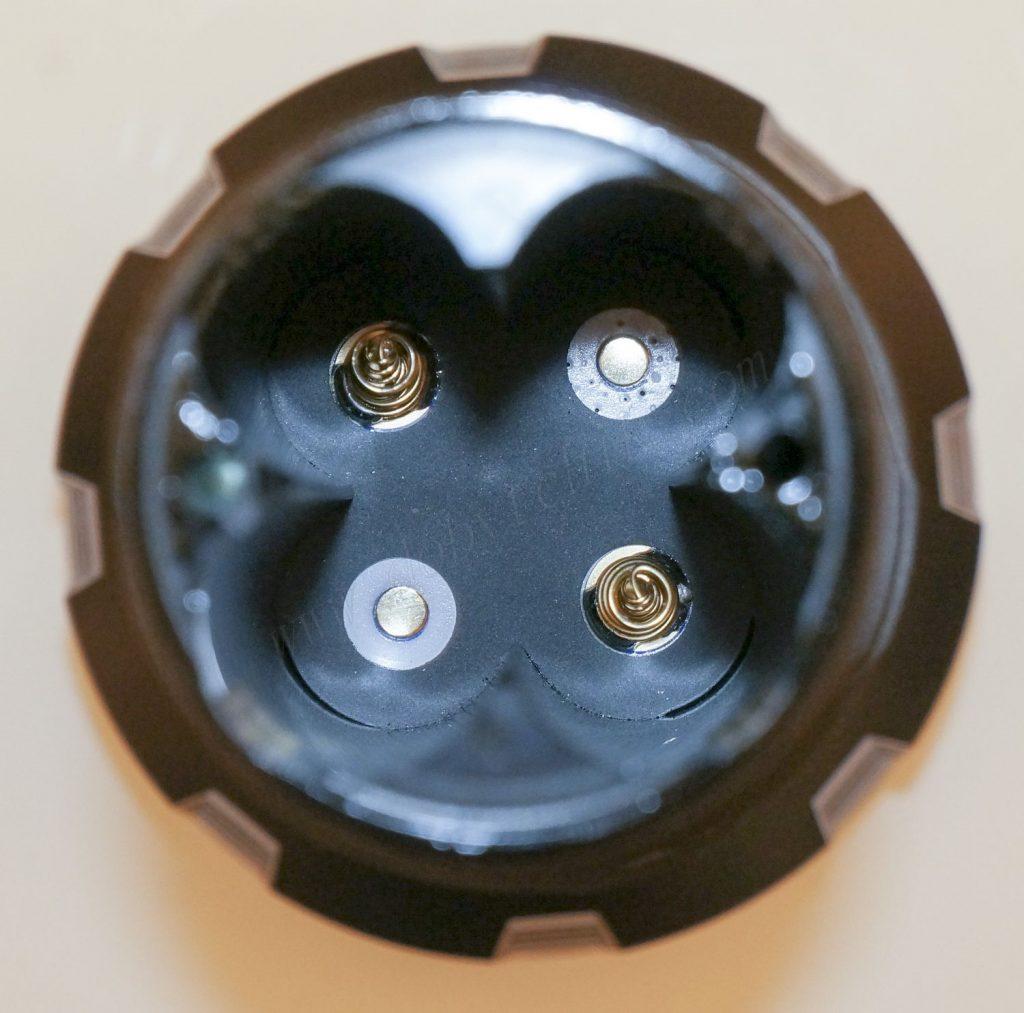Контакты в головной части фонаря для поиска Отражатель фонаря Acebeam K60