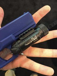 Новый подствольный пистолетный фонарь Olight PL-2 Walkyrie