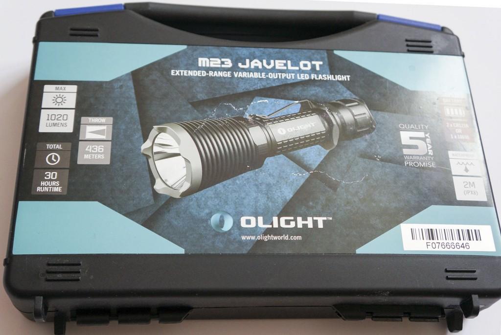 Фонарь Olight M23 Javelot в пластиковом кейсе для хранения