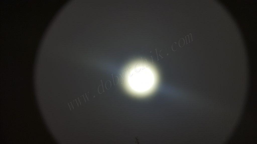 Пятно света дальнобойного фонаря Acebeam T20