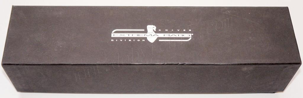 Коробка с фирменным логотипом производителя у ножа Extrema Ratio Col Moschin
