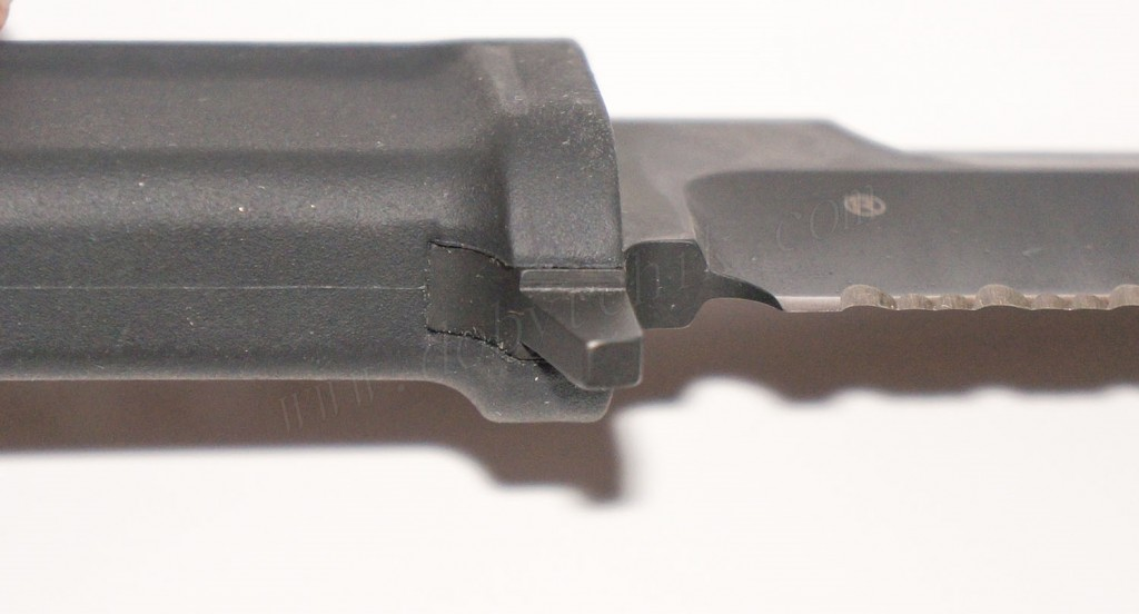 Защитная гарда ножа Extrema Ratio Col Moschin