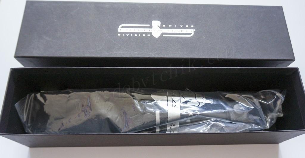 Внутренее содержимое коробки ножа Extrema Ratio E.R. Commando